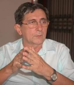 http://gilbertoleda.com.br/wp-content/uploads/2010/11/washington_oliveira.jpg