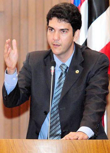 http://gilbertoleda.com.br/wp-content/uploads/2011/03/eduardo_braide.jpg
