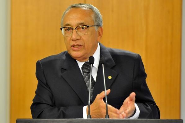 http://gilbertoleda.com.br/wp-content/uploads/2012/01/gastao_vieira.jpg