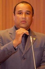 Roberto Costa desafiou