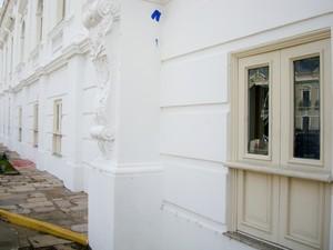 Palácio dos Leões também foi alvo de vândalos (Foto: Teresa Dias/G1)