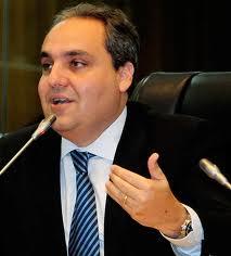 Marcelo Tavares recuou