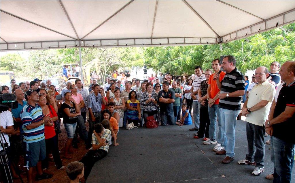Luis Fernando garante pavimentação de estrada em Ribamar  Gilberto