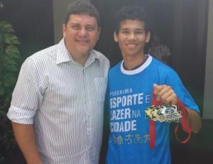 Fredson Froz com o atleta ribamarense Heuller Oliveira