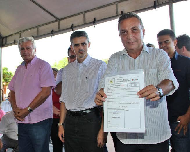 """Depois de """"relaxar"""" eventos de Luis Fernando em duas de suas bases eleitorais, Arnaldo Melo """"apareceu"""" em Passagem Franca"""