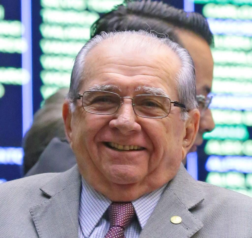 Castelo quer o comando do PSDB para se viabilizar como candidato a prefeito de São Luís de novo