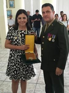 Roseana recebe homenagem no Exército