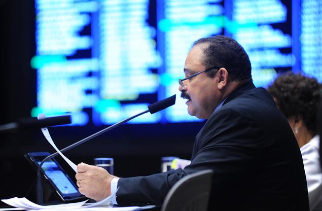 STF manda Waldir Maranhão assumir presidência da Câmara