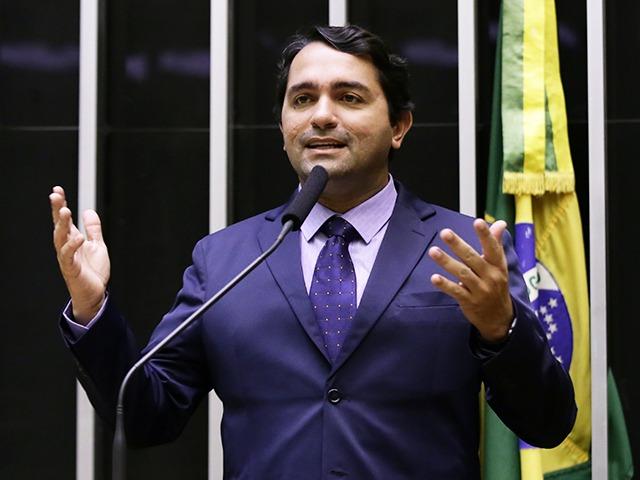 Resultado de imagem para Ex-prefeito José Lourenço Bomfim Júnior