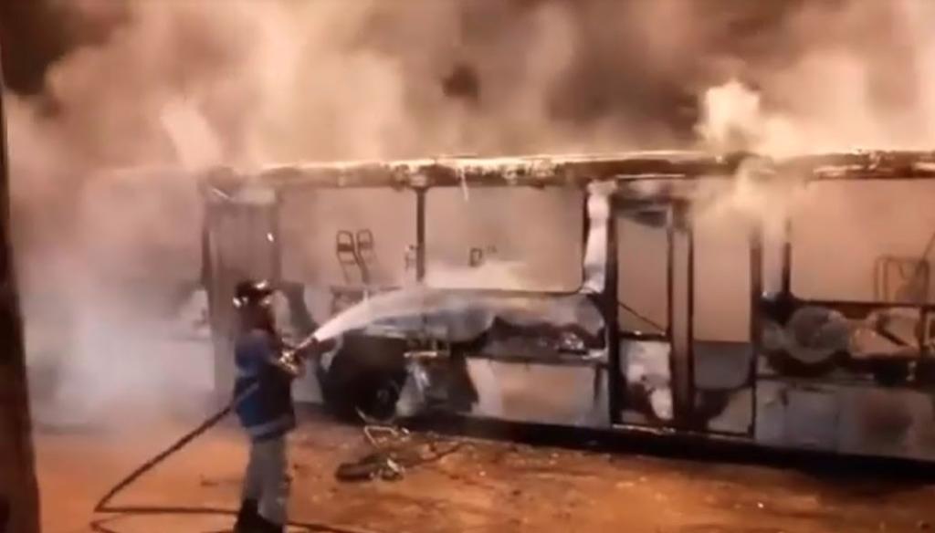 TERROR! Bandidos incendeiam ônibus e escola em Imperatriz